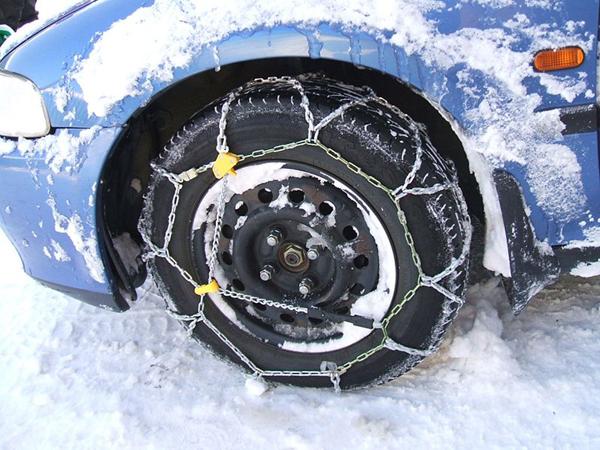 Kako voziti po snijegu i ledu, te kada staviti lance